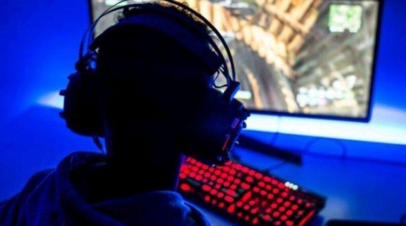 Aktivitas Bermain Game Memuaskan Dengan Keyboard Gaming Mumpuni