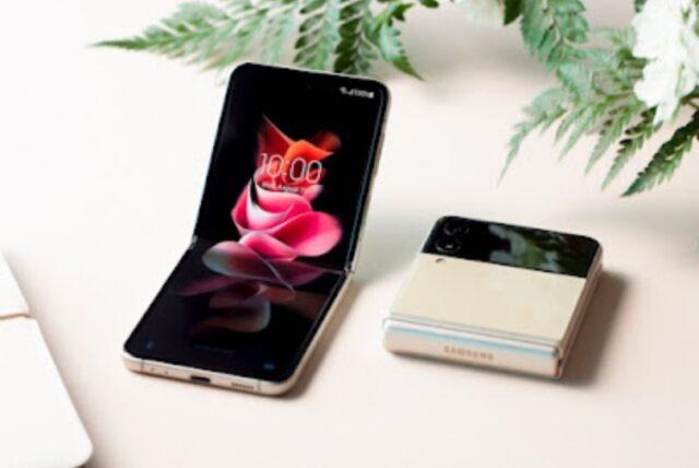 Galaxy Z Flip3 5G: Harga, Spesifikasi & Kelebihan